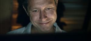 Bo Carlsson spiller rollen som den ulykkelige Thomas vanvittigt godt. Foto: SF Film