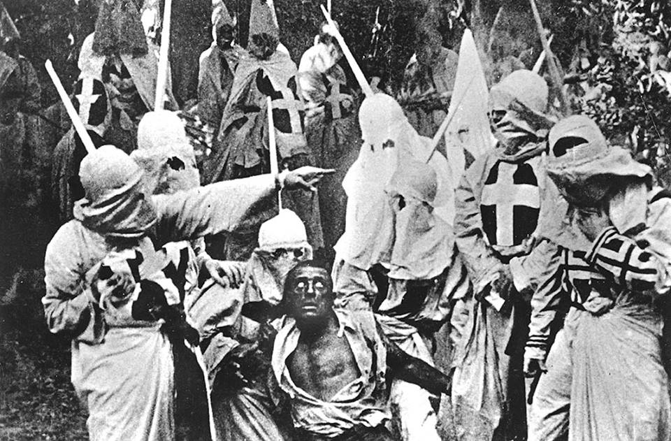 KKK bliver de store helte i Griffiths kontroversielle værk.