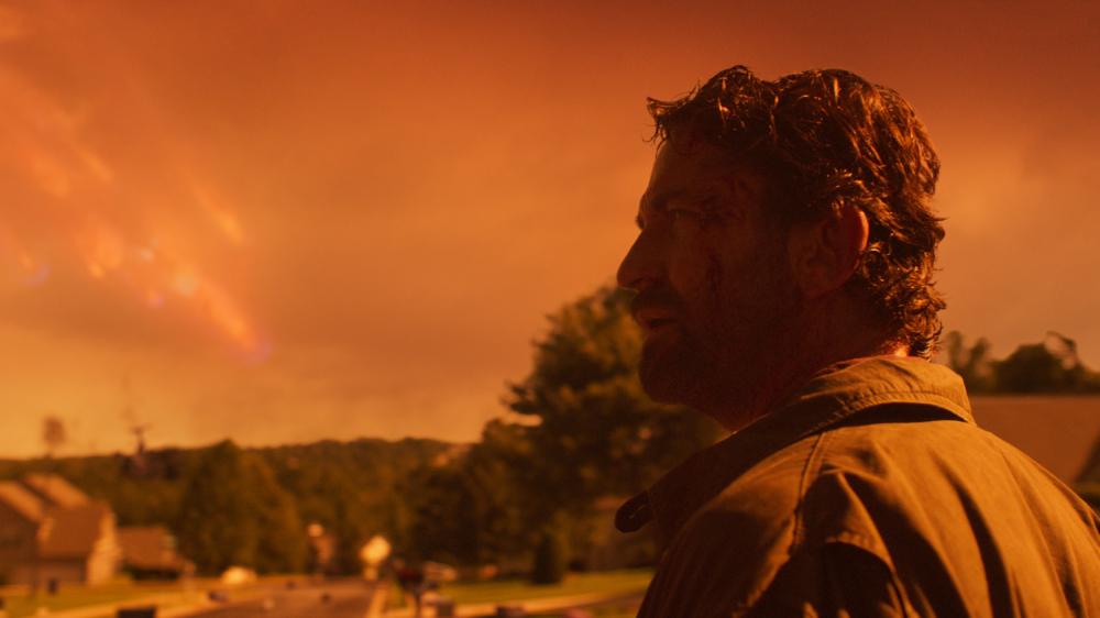 John Garrity (Gerard Butler) går meget igennem i katastrofefilmen 'Greenland'. (Foto: SF Studios)