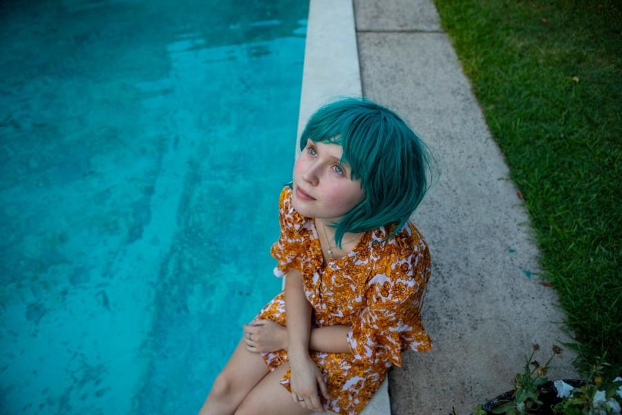 """""""Eliza Scanlen (Sharp Objects, Little Women) brillerer i rollen som den kræftramte teenager Milla."""" (Foto: Angel Films)"""